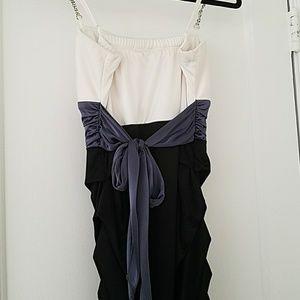 Dresses - Knee length homecoming/prom dress